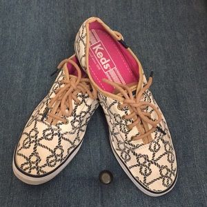 Keds sneakers. Cream canvas with navy knots.Size 8